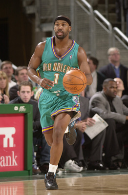 SEATTLE - DECEMBER 20:  Baron Davis #1 of the New Orleans Hornets brings the ball upcourt during the game against the Seattle Sonics at Key Arena on December 20, 2002 in Seattle, Washington.  The Hornets won in overtime 88-86.  NOTE TO USER: User expressl