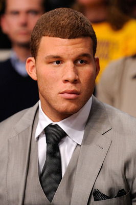 LOS ANGELES, CA - OCTOBER 27:  Blake Griffin #32 of the Los Angeles Clippers watches the season opening game against the Los Angeles Lakers at Staples Center on October 27, 2009 in Los Angeles, California.  NOTE TO USER: User expressly acknowledges and ag
