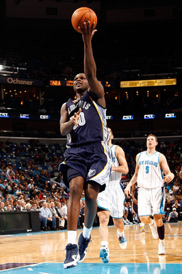 NEW ORLEANS - MARCH 03:  Zach Randolph #50 of the Memphis Grizzlies makes a shot against the New Orleans Hornets at the New Orleans Arena on March 3, 2010 in New Orleans, Louisiana.  NOTE TO USER: User expressly acknowledges and agrees that, by downloadin