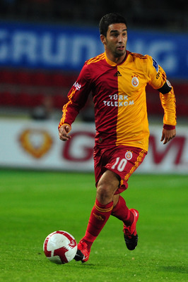 ISTANBUL, TURKEY - OCTOBER 25:  Arda Turan of Galatasaray during the Turkish Super League match between Fenerbahce and Galatasaray held on October 25, 2009 at Sukru Saracoglu Stadium in Istanbul, Turkey. (Photo by Mustafa Ozer/EuroFootball/Getty Images)
