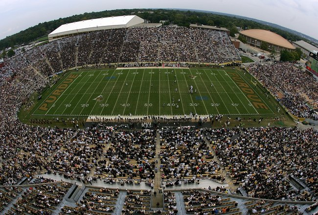 WEST LAFAYETTE, IN - SEPTEMBER 20:  A general view of play between the Central Michigan Chippewas and the Purdue Boilermakers at Ross-Ade Stadium on September 20, 2008 in West Lafayette, Indiana.  (Photo by Ronald Martinez/Getty Images)