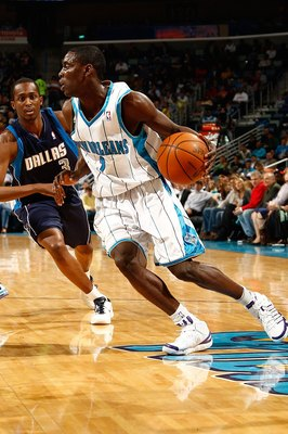 NEW ORLEANS - MARCH 22:  Darren Collison #2 of the New Orleans Hornets drives the ball during the game against the Dallas Mavericks at the New Orleans Arena on March 22, 2010 in New Orleans, Louisiana.  NOTE TO USER: User expressly acknowledges and agrees