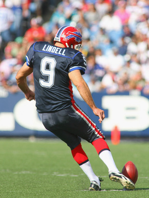 ORCHARD PARK, NY - OCTOBER 10: Rian Lindell #9 of the Buffalo Bills kicks off against the Jacksonville Jaguars at Ralph Wilson Stadium on October 10, 2010 in Orchard Park, New York. Jacksonville won 36-26. (Photo by Rick Stewart/Getty Images)