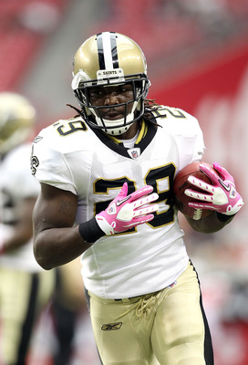GLENDALE, AZ - OCTOBER 10:  Runningback Chris Ivory #29 of the New Orleans Saints warms up before the NFL game against the Arizona Cardinals at the University of Phoenix Stadium on October 10, 2010 in Glendale, Arizona.  (Photo by Christian Petersen/Getty