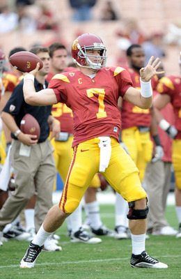 LOS ANGELES, CA - OCTOBER 16:  Matt Barkley #7 of the USC Trojans warms up before the game against the California Golden Bears at Los Angeles Memorial Coliseum on October 16, 2010 in Los Angeles, California.  (Photo by Harry How/Getty Images)