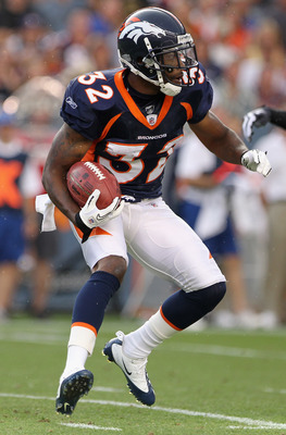 DENVER - AUGUST 29:  Cornerback Perrish Cox #32 of the Denver Broncos returns a kick off against the Pittsburgh Steelers during preseason NFL action at INVESCO Field at Mile High on August 29, 2010 in Denver, Colorado.  (Photo by Doug Pensinger/Getty Imag