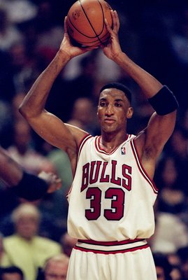 13 May 1998: Scottie Pippen #33 of the Chicago Bulls looks to throw the ball into play during the game against the Charlotte Hornets at the United Center in Chicago, Illinios. The Bulls defeated the Hornets 93-84. Mandatory Credit: Jonathan Daniel  /Allsp