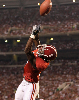TUSCALOOSA, AL - OCTOBER 16:  Julio Jones #8 of the Alabama Crimson Tide fails to pull in this touchdown reception against the Ole Miss Rebels at Bryant-Denny Stadium on October 16, 2010 in Tuscaloosa, Alabama.  (Photo by Kevin C. Cox/Getty Images)