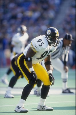 23 Nov 1997:  Linebacker Greg Lloyd #95 of the Pittsburgh Steelers in action during the Steelers 23-20 loss to the Philadelphia Eagles at Veterans Stadium in Philadelphia, Pennsylvania. Mandatory Credit: David Seelig  /Allsport