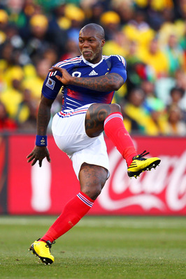 BLOEMFONTEIN, SOUTH AFRICA - JUNE 22: Djibril Cisse of France in action during the 2010 FIFA World Cup South Africa Group A match between France and South Africa at the Free State Stadium on June 22, 2010 in Mangaung/Bloemfontein, South Africa.  (Photo by
