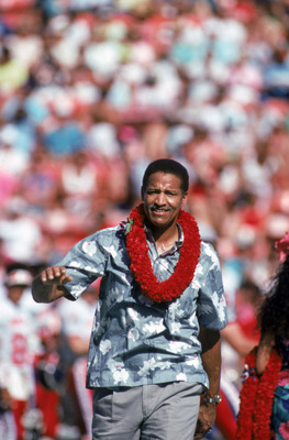 Buck Buchanan Is Honored At The Pro Bowl In Hawaii