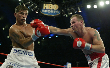ATLANTIC CITY, NJ - JUNE 7:  Arturo Gatti (L) and Micky Ward trade punches during their Junior Welterweight bout at Boardwalk Hall on June 7 in Atlantic City, New Jersey. Gatti won a unanimous decision.  (Photo by Al Bello/Getty  Images)