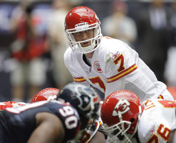 HOUSTON - OCTOBER 17:  Matt Cassel #7 of the Kansas City Chiefs waits for the snap during game action against the Houston Texans at at Reliant Stadium on October 17, 2010 in Houston, Texas.  (Photo by Bob Levey/Getty Images)
