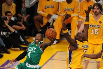 LOS ANGELES, CA - JUNE 15:  Nate Robinson #4 of the Boston Celtics shoots the the ball against Lamar Odom #7 of the Los Angeles Lakers in Game Six of the 2010 NBA Finals at Staples Center on June 15, 2010 in Los Angeles, California.  NOTE TO USER: User ex