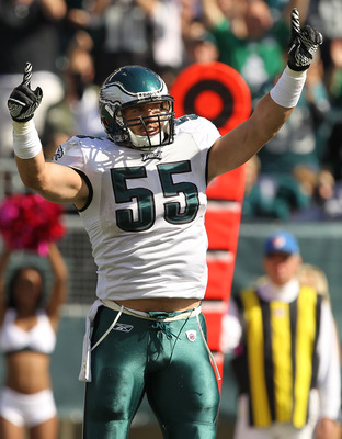 PHILADELPHIA - OCTOBER 17:  Stewart Bradley #55 of the Philadelphia Eaglesin action against the Atlanta Falcons during their game at Lincoln Financial Field on October 17, 2010 in Philadelphia, Pennsylvania.  (Photo by Al Bello/Getty Images)