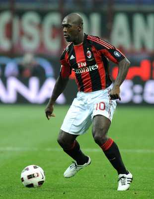 MILAN, ITALY - OCTOBER 16:  Clarence Seedorf of AC Milan in action during the Serie A match between AC Milan and AC Chievo Verona at Stadio Giuseppe Meazza on October 16, 2010 in Milan, Italy.  (Photo by Massimo Cebrelli/Getty Images)