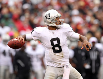 SAN FRANCISCO - OCTOBER 17:  Jason Campbell #8 of the Oakland Raiders passes the ball against the San Francisco 49ers at Candlestick Park on October 17, 2010 in San Francisco, California.  (Photo by Ezra Shaw/Getty Images)