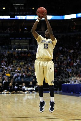 MILWAUKEE - MARCH 21:  Ashton Gibbs #12 of the Pittsburgh Panthers shoots against the Xavier Musketeers during the second round of the 2010 NCAA men's basketball tournament at the Bradley Center on March 21, 2010 in Milwaukee, Wisconsin.  (Photo by Jonath