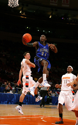 NEW YORK - MARCH 11: Jeremy Hazell #21 of the Seton Hall Pirates drives to the hoop against the Syracuse Orange during the second round of the Big East Tournament at Madison Square Garden on March 11, 2009 in New York City.  (Photo by Jim McIsaac/Getty Im