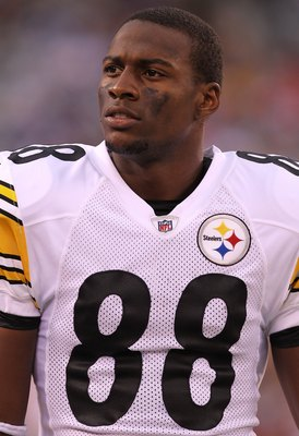 EAST RUTHERFORD, NJ - AUGUST 21: Emmanuel Sanders #88 of the Pittsburgh Steelers on the sideline against the New York Giants during their preseason game at New Meadowlands Stadium on August 21, 2010 in East Rutherford, New Jersey.  (Photo by Nick Laham/Ge