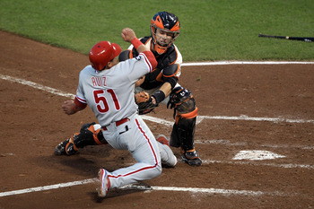 Posey tags Carlos Ruiz out in Game 4 of the NLCS