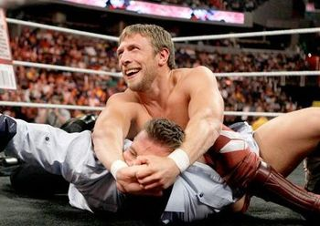 Daniel-bryan-vs-alex-riley_display_image