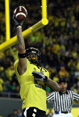 EUGENE, OR - OCTOBER 21:  Jeff Maehl #23 of the Oregon Ducks celebrates scoring a touchdown against the UCLA Bruins  on October 21, 2010 at the Autzen Stadium in Eugene, Oregon.  (Photo by Jonathan Ferrey/Getty Images)