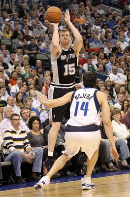 DALLAS - APRIL 27:  Matt Bonner #15 of the San Antonio Spurs in Game Five of the Western Conference Quarterfinals during the 2010 NBA Playoffs at American Airlines Center on April 27, 2010 in Dallas, Texas. NOTE TO USER: User expressly acknowledges and ag