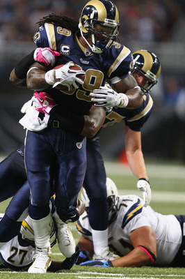 ST. LOUIS - OCTOBER 17: Steven Jackson #39 of the St. Louis Rams rushes against the San Diego Chargers at the Edward Jones Dome on October 17, 2010 in St. Louis, Missouri.  The Rams beat the Chargers 20-17.  (Photo by Dilip Vishwanat/Getty Images)