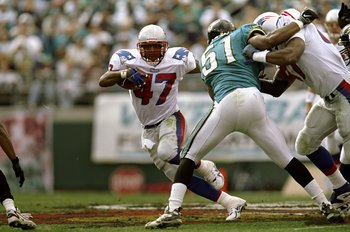 3 Jan 1999: Robert Edwards #47 of the New England Patriots in action during the AFC Wild Card Game against the Jacksonville Jaguars at the Alltel Stadium in Jacksonville, Florida. The Jaguars defeated the Patriots 25-10. Mandatory Credit: Andy Lyons  /All