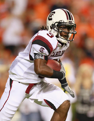 AUBURN, AL - SEPTEMBER 25:  Ace Sanders #9 of the South Carolina Gamecocks against the Auburn Tigers at Jordan-Hare Stadium on September 25, 2010 in Auburn, Alabama.  (Photo by Kevin C. Cox/Getty Images)