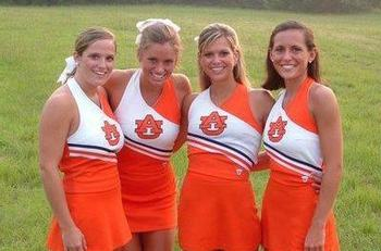 Auburn_cheerleaders_display_image