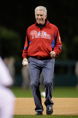 PHILADELPHIA - OCTOBER 31:  Former Philadelphia Phillies Mike Schmidt looks on after throwing out the out the first pitch before Game Three of the 2009 MLB World Series at Citizens Bank Park on October 31, 2009 in Philadelphia, Pennsylvania.  (Photo by Ma
