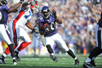 BALTIMORE, MD - OCTOBER 24:  Ed Reed #20 of the Baltimore Ravens returns an interception against the Buffalo Bills at M&amp;T Bank Stadium on October 24, 2010 in Baltimore, Maryland. The Ravens defeated the Bills 37-34. (Photo by Larry French/Getty Images)