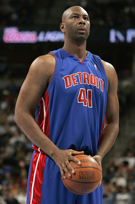 DENVER - NOVEMBER 11:  Elden Campbell #41 of the Detroit Pistons stands on the court during the game with the Denver Nuggets on November 11, 2004 at the Pepsi Center in Denver, Colorado.  The Nuggets won 117-109.    NOTE TO USER: User expressly acknowledg