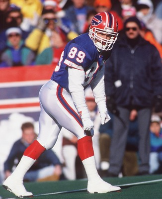 22 DEC 1991:  BUFFALO BILLS SPECIAL TEAMS STEVE TASKER PREPARES FOR THE PUNT KICKOFF DURING THE BILLS 17-14 LOSS TO THE DETROIT LIONS AT RICH STADIUM IN ORCHARD PARK, NEW YORK. Mandatory Credit: Rick Stewart/ALLSPORT