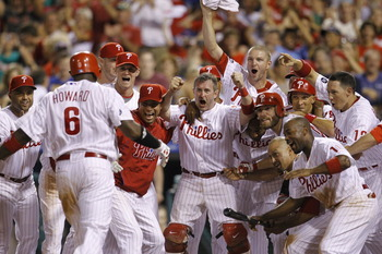 Ryan-howard-walkoff-1b230f3bd280a96f_display_image
