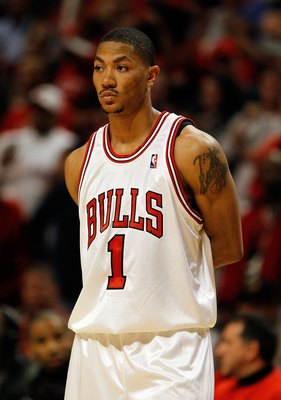 CHICAGO - APRIL 22: Derrick Rose #1 of the Chicago Bulls waits for a free-throw against the Cleveland Cavaliers in Game Three of the Eastern Conference Quarterfinals during the 2010 NBA Playoffs at the United Center on April 22, 2010 in Chicago, Illinois.