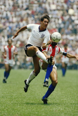 18 Jun 1986:  Gary Lineker of England in action during the World Cup Group match against Paraguay at the Azteca Stadium in Mexico City. England won the match 3-0.  \ Mandatory Credit: David  Cannon/Allsport