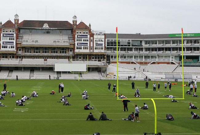 LONDON, ENGLAND - OCTOBER 29:  Players from the Denver Broncos warm up during a team training session at The Brit Oval on October 29, 2010 in London, England. The Denver Broncos will play the San Francisco 49ers at Wembley Stadium on October 31.  (Photo b