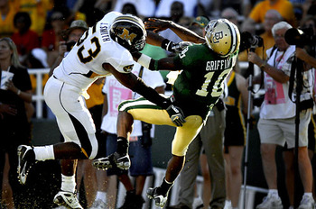 Missouri_tigers_defense_display_image