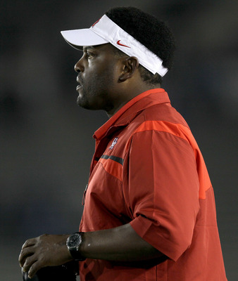 PASADENA, CA - SEPTEMBER 18:  Head coach Kevin Sumlin of the Houston Cougars on the sidelines in the game with the UCLA Bruins at the Rose Bowl on September 18, 2010 in Pasadena, California.  (Photo by Stephen Dunn/Getty Images)