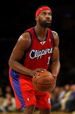 LOS ANGELES, CA - JANUARY 15:  Baron Davis #1 of the Los Angeles Clippers shoots a free throw against the Los Angeles Lakers during the game on January 15, 2010 at Staples Center in Los Angeles, California. The Lakers won 126-86. NOTE TO USER: User expres