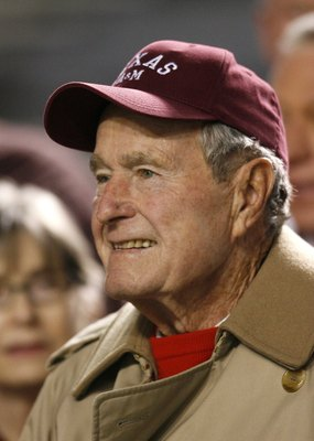 COLLEGE STATION, TX - NOVEMBER 26: Former President George H.W. Bush smiles prior to the Texas Longhorns against Texas A&M Aggies at Kyle Field on November 26, 2009 in College Station, Texas.  The Longhorns defeated the Aggies 49-39. (Photo by Aaron M. Sp