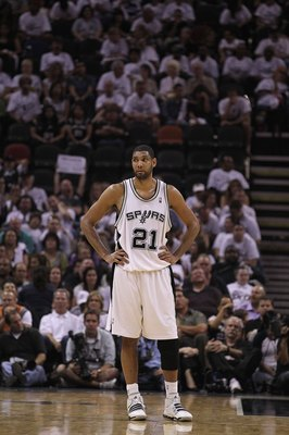 SAN ANTONIO - MAY 07:  Tim Duncan #21 of the San Antonio Spurs in Game Three of the Western Conference Semifinals during the 2010 NBA Playoffs at AT&T Center on May 7, 2010 in San Antonio, Texas. NOTE TO USER: User expressly acknowledges and agrees that,