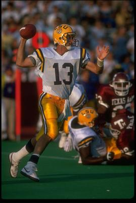 2 SEP 1989:  TOMMY HODSON, QUARTERBACK FOR LOUISIANA STATE, LOOKS TO THROW A PASS DURING THEIR 28-16 LOSS TO TEXAS A&M AT KYLE FIELD IN COLLEGE STATION, TEXAS.  MANDATORY CREDIT: JOE PATRONITE/ALLSPORT.
