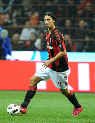 MILAN, ITALY - OCTOBER 16:  Zlatan Ibrahimovic of AC Milan in action during the Serie A match between AC Milan and AC Chievo Verona at Stadio Giuseppe Meazza on October 16, 2010 in Milan, Italy. (Photo by Massimo Cebrelli/Getty Images)