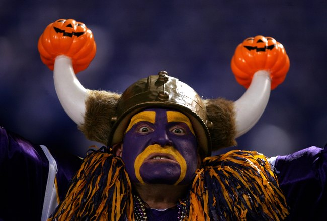 MINNEAPOLIS, MN - OCTOBER 30:  A fan supports the Minnesota Vikings during the game against the New England Patriots on October 30, 2006 at the Metrodome in Minneapolis, Minnesota. The Patriots won 31-7. (Photo by Stephen Dunn/Getty Images)