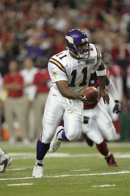 ATLANTA - OCTOBER 2:  Quarterback Daunte Culpepper #11 of the Minnesota Vikings drops back against the Atlanta Falcons on October 2, 2005 at the Georgia Dome in Atlanta, Georgia.  The Falcons won 30-10.  (Photo by Brian Bahr/Getty Images)