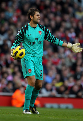 LONDON, ENGLAND - OCTOBER 30:  Lukasz Fabianski of Arsenal in action during the Barclays Premier League match between Arsenal and West Ham United at Emirates Stadium on October 30, 2010 in London, England.  (Photo by Clive Rose/Getty Images)